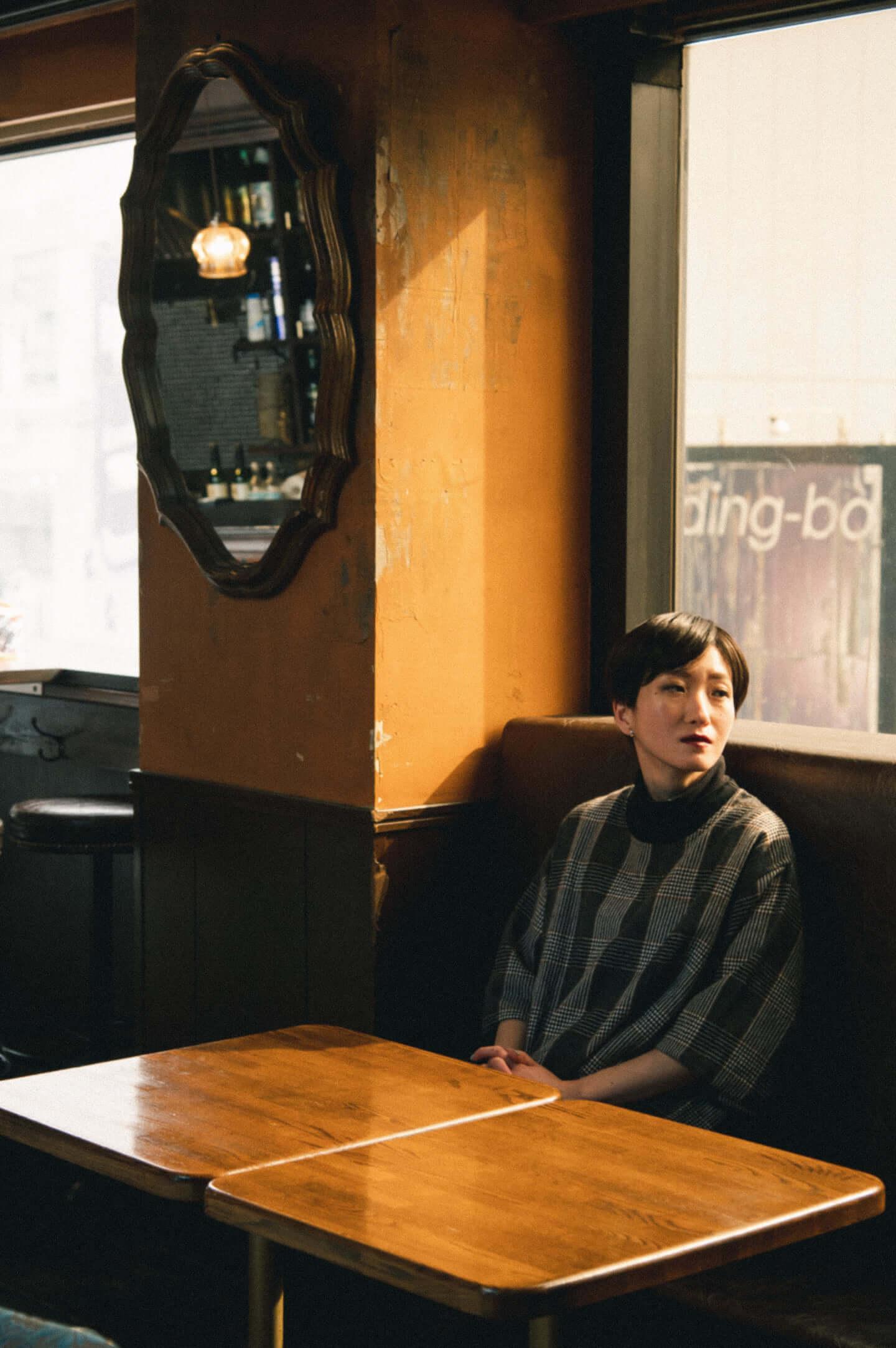 「流されず、変わり続ける」日食なつこが掲げる旗|音楽のすゝめ interview210310_nisshoku-natsuko-04-1440x2165