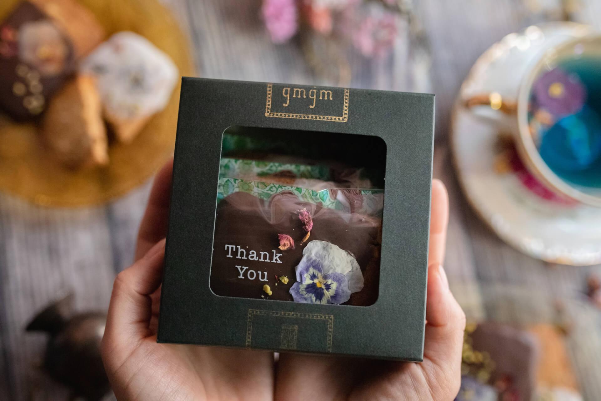 お花のクッキーが人気のgmgmで、ブーケ&お花のドーナツ付『母の日ギフトBOX』が予約受付開始! goulmet210408_gmgm_3