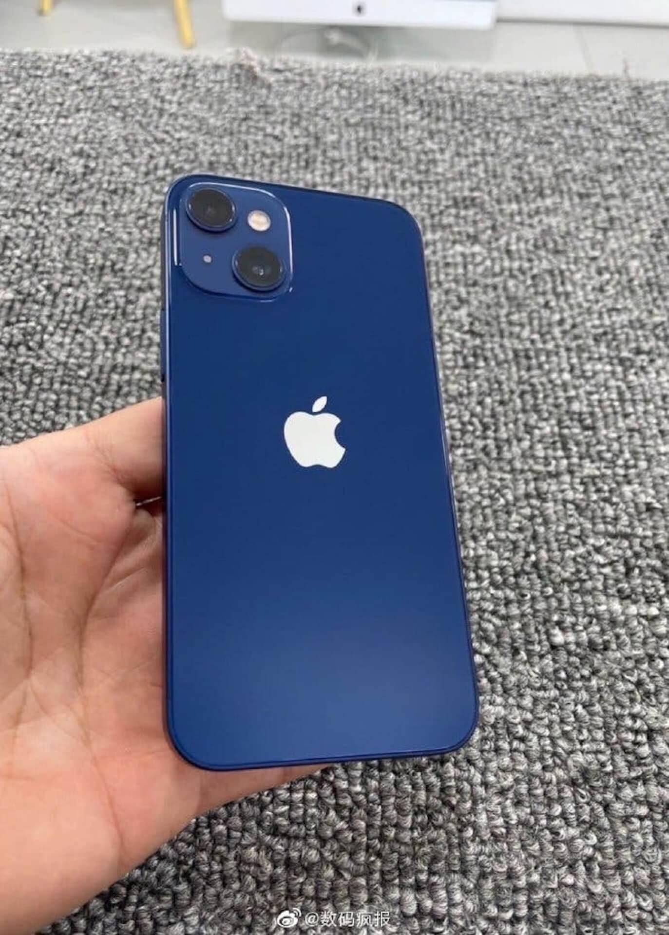 iPhone 13 miniのプロトタイプ機の画像がリーク!?リアカメラの並びが斜線状になる可能性 tech210423_iphone13mini_1