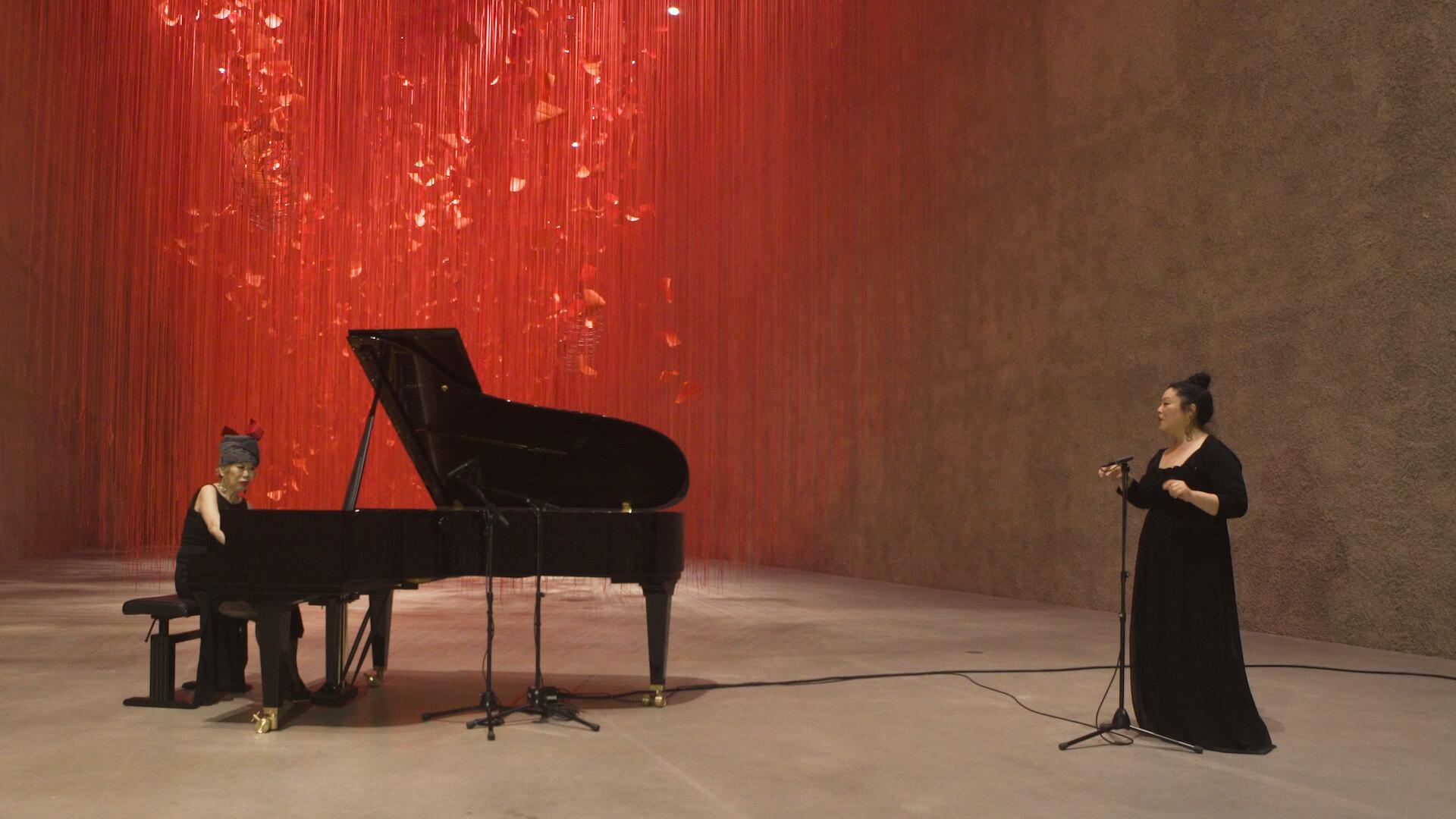赤の世界に願いを乗せて。塩田千春「I Hope...」展  column210329_kana-miyazawa-07