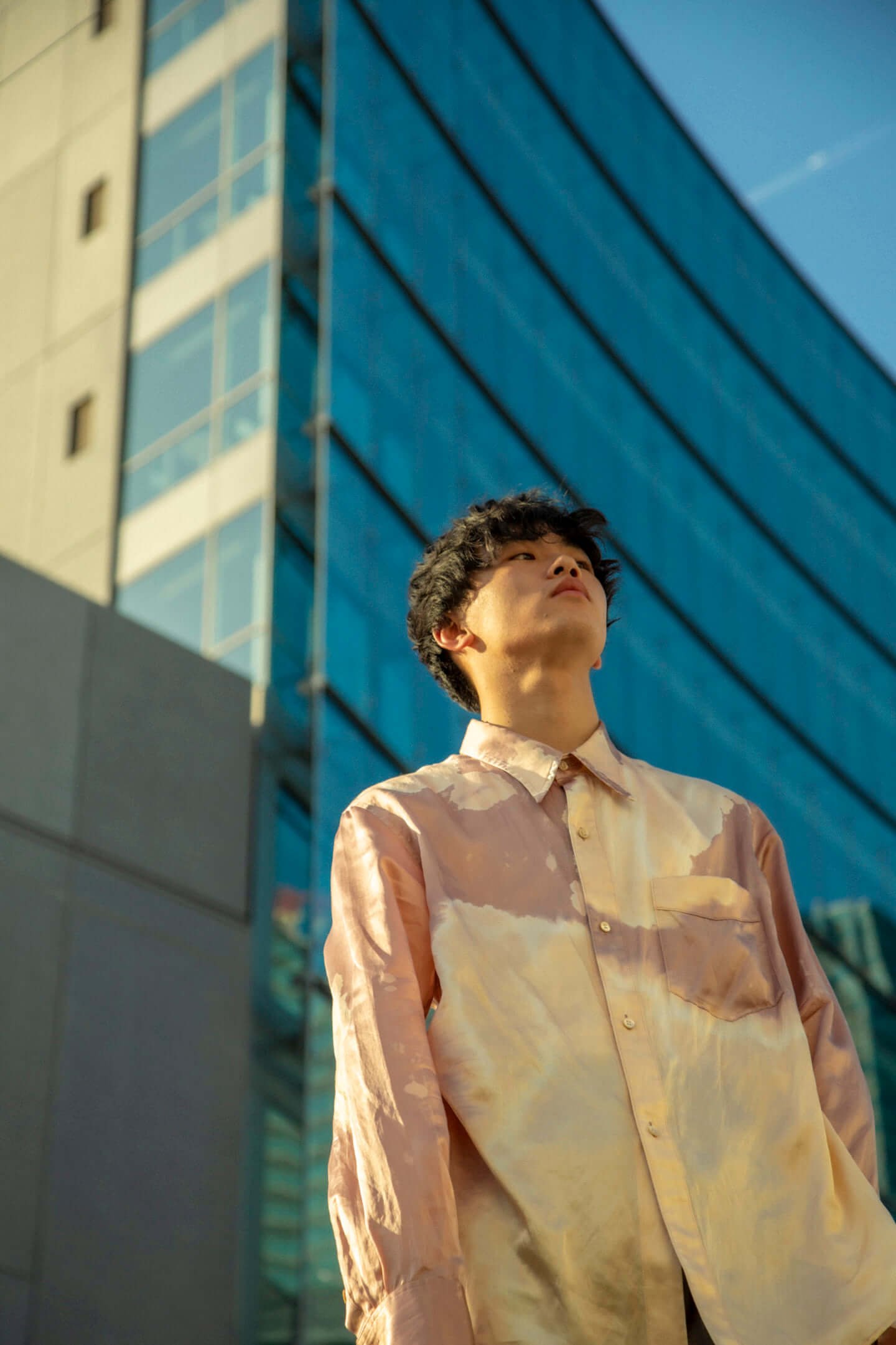 「思ってもないことを書くのは本末転倒」クボタカイ1stアルバム『来光』に表れるラッパーとしてのスタイル interview210407_kubotakai-08-1440x2161