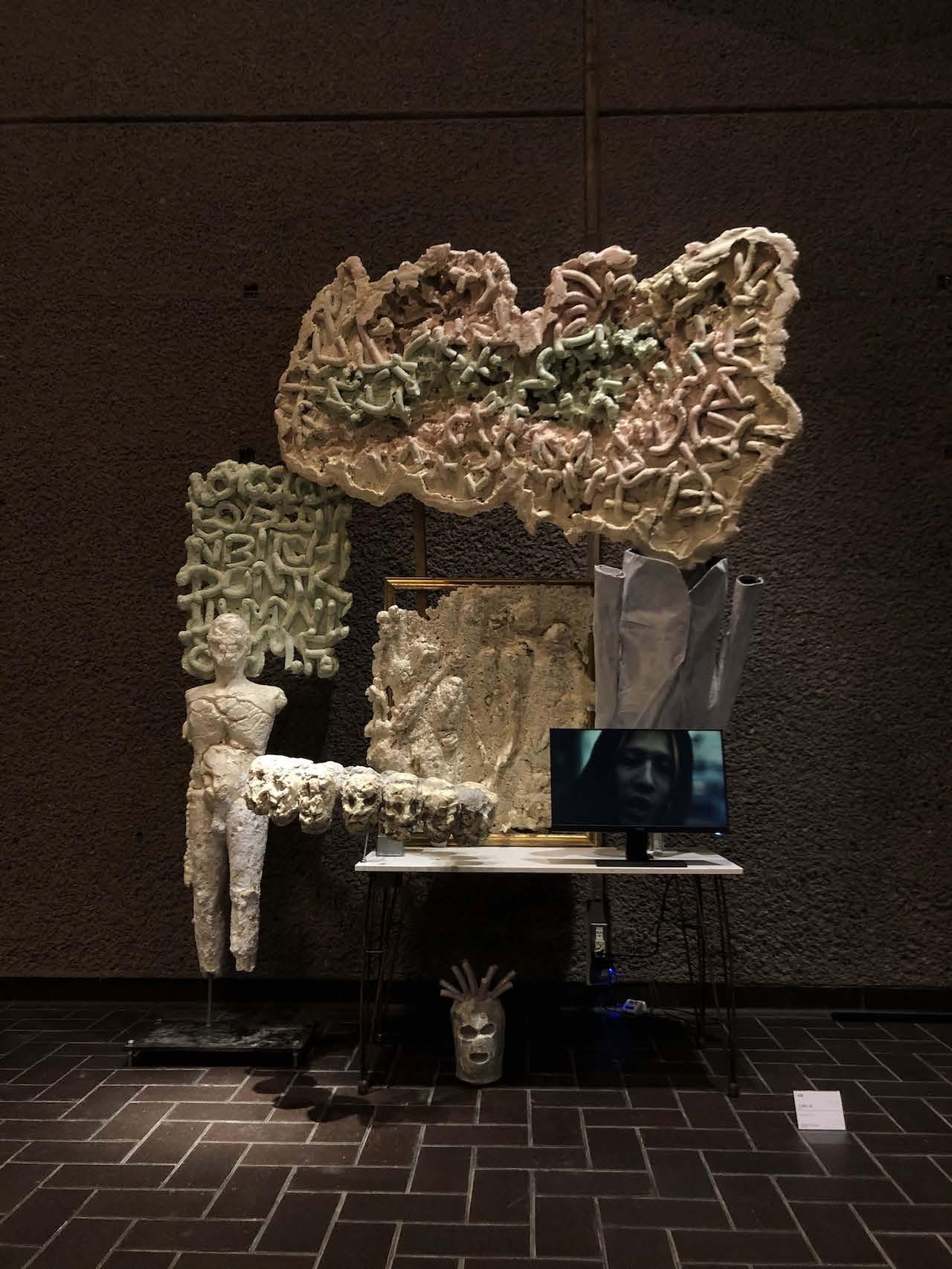 ラッパー/彫刻家・META FLOWERによる展示「EYES SUNRISE REALIZE」が開催 レセプションにSLOWCURV、BUSHMIND、MEJIRO St. BOYZ、ill-SUGIら art-culture210531-metaflower-eyessunriserealize-1