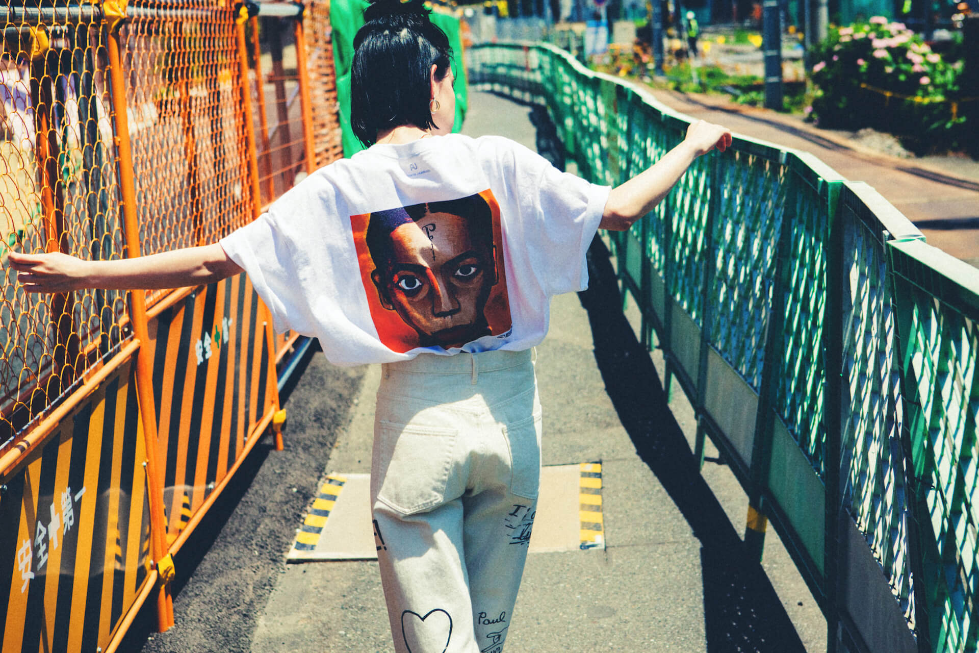 UA × Journal StandardのコラボTシャツが6月25日より店舗販売開始|美衣がモデルを務めるビジュアルも公開に life_fashion210611-ua-journalstandard-1