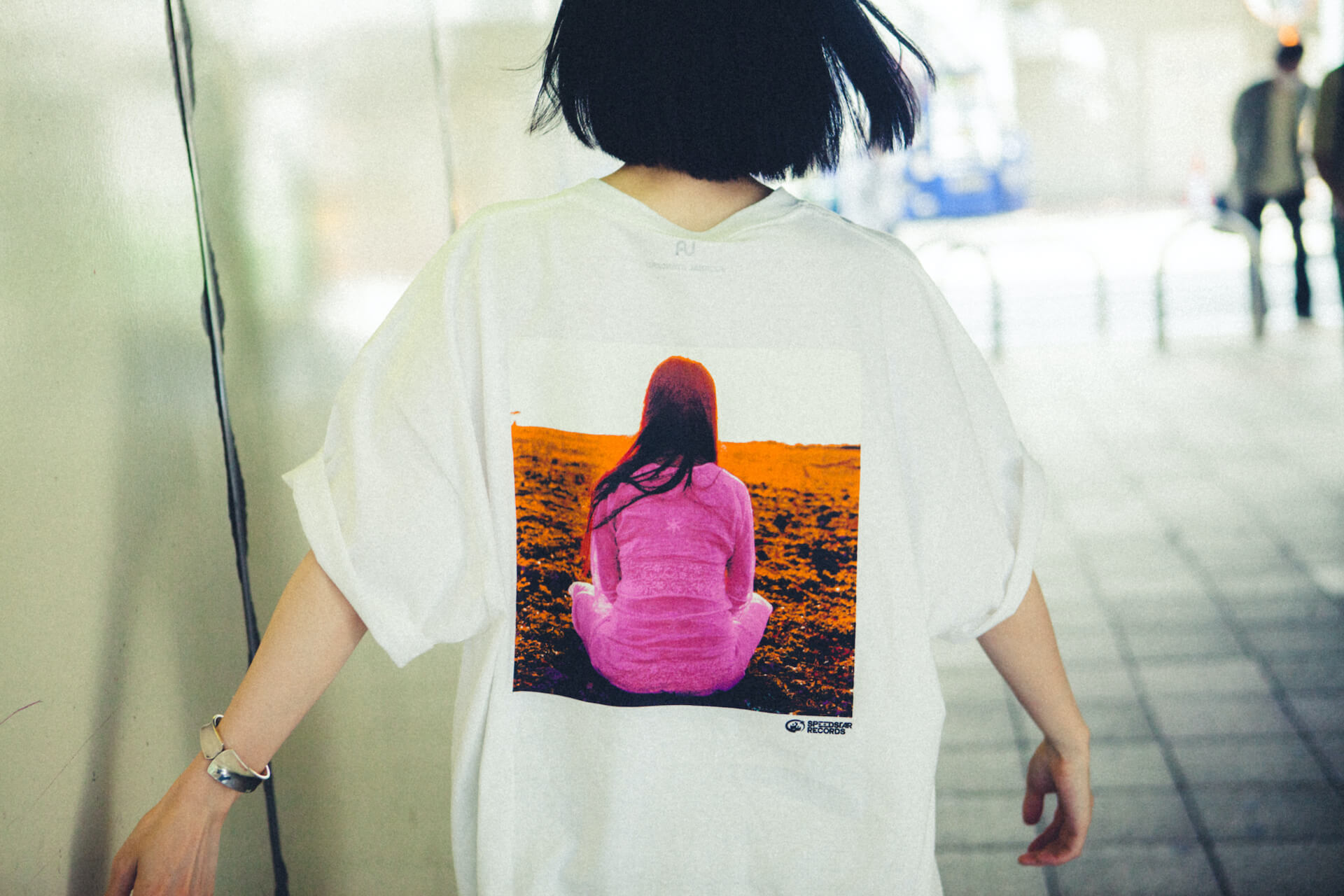 UA × Journal StandardのコラボTシャツが6月25日より店舗販売開始|美衣がモデルを務めるビジュアルも公開に life_fashion210611-ua-journalstandard-7