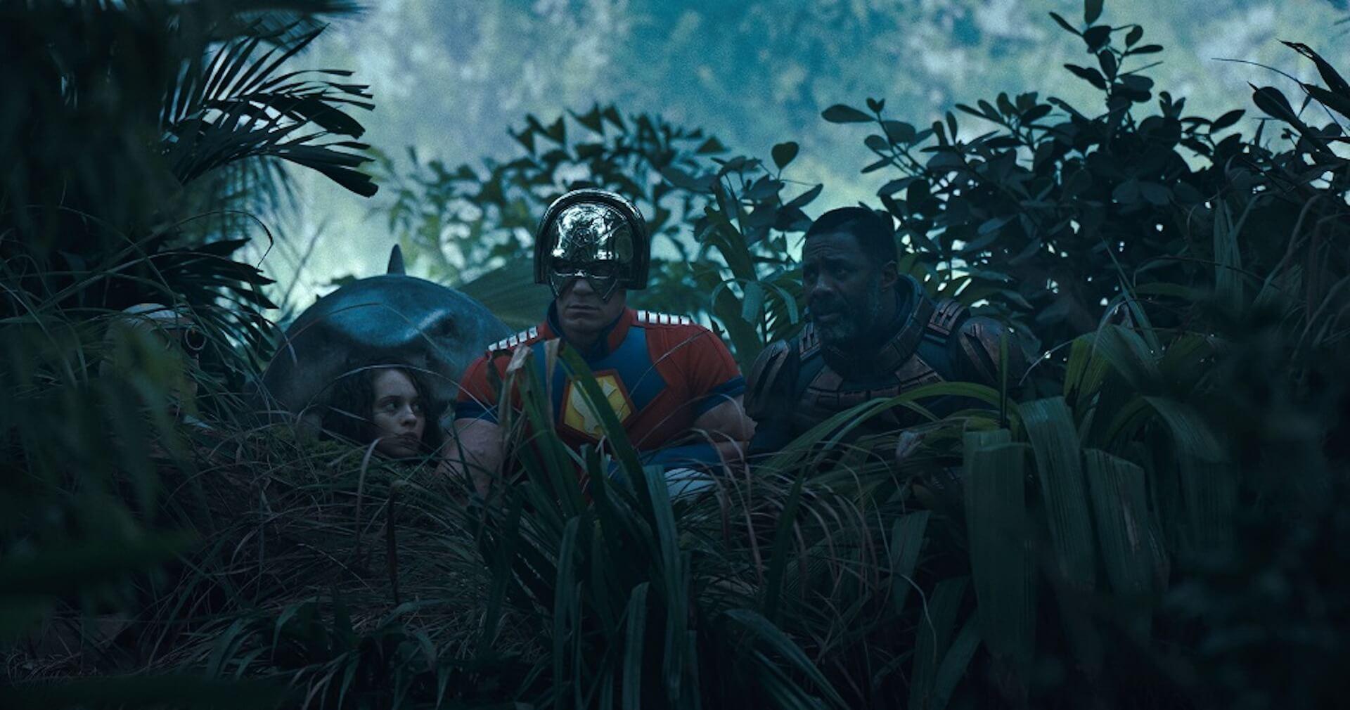 """ハーレイ・クイン、キング・シャークもカイジュウ登場に呆然!?『ザ・スーサイド・スクワッド """"極""""悪党、集結』の新場面写真が解禁 film210615_thesuicidesquad_6"""