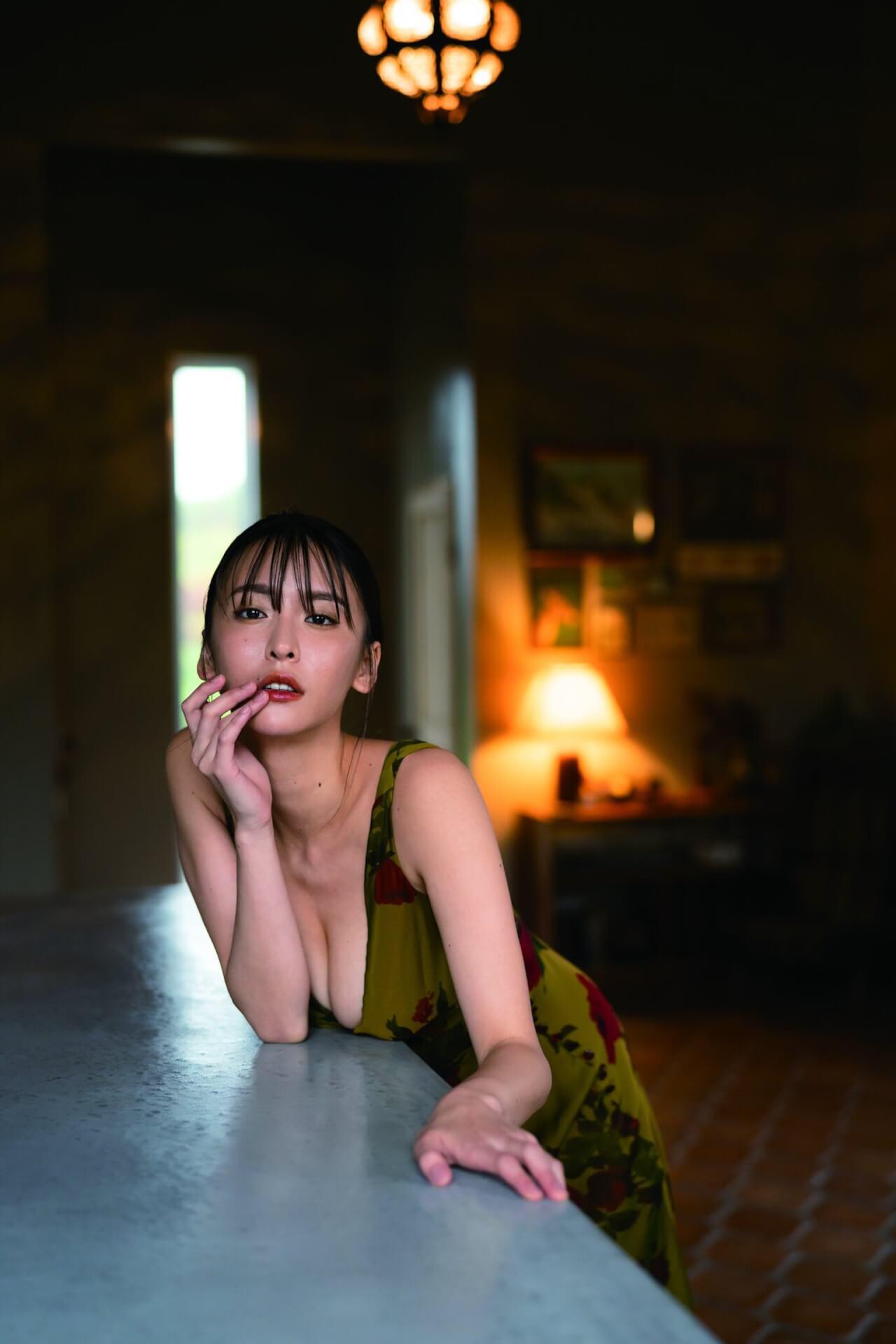 写真集『たまゆら』でセクシーすぎる横乳を披露した奈月セナがサイン本お渡し会を開催!コメントも到着 art210705_natsukisena_4