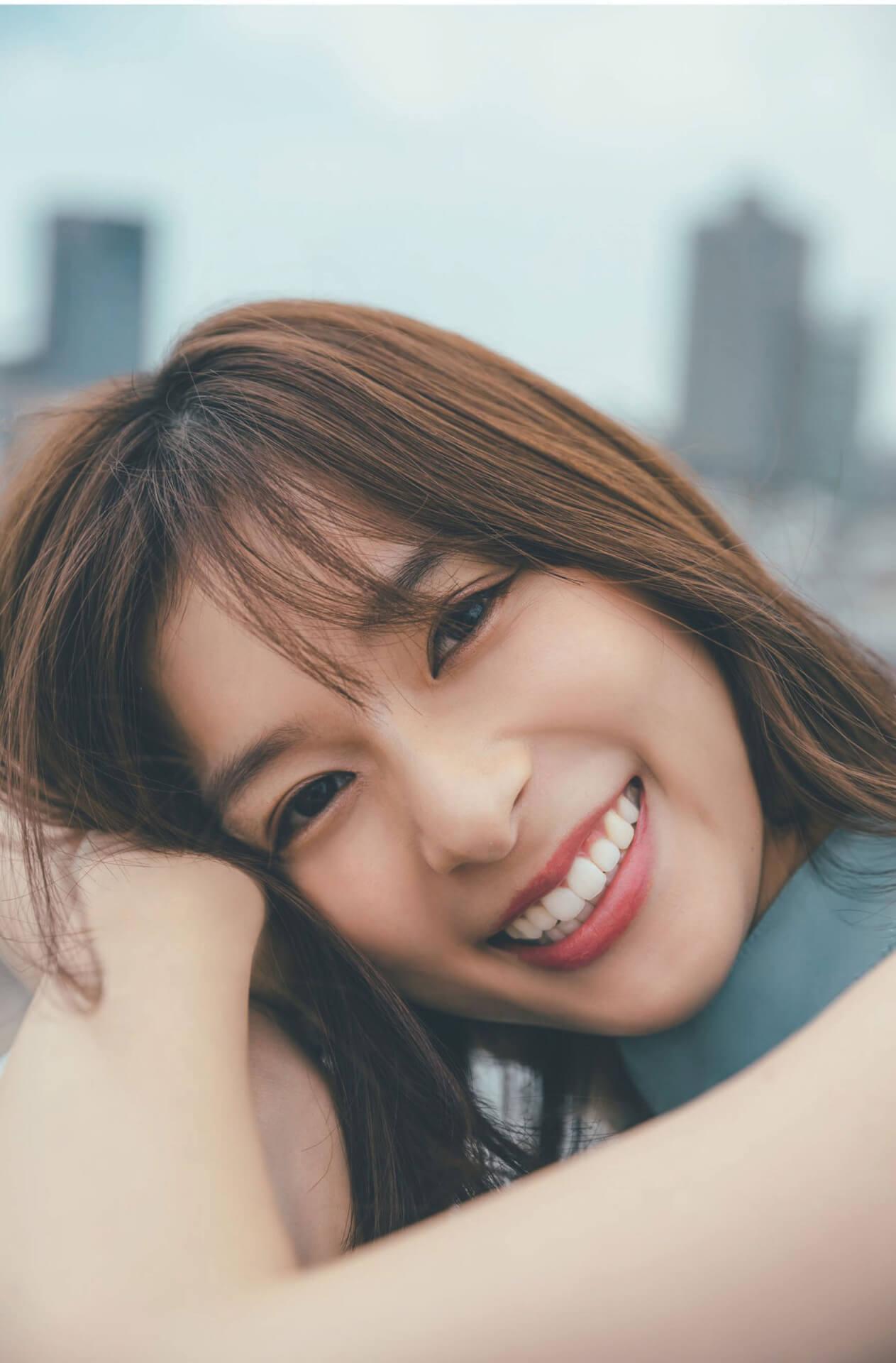 笑顔輝く芳根京子の魅力が止まらない!『FLASH』表紙&巻頭グラビア10Pに登場 art210706_flash_1
