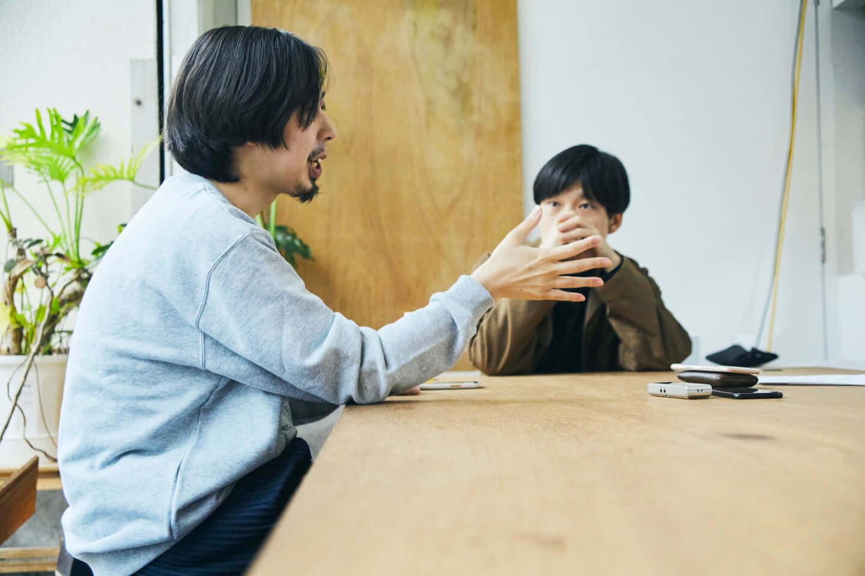 映像作家・河合宏樹 × 音楽家・蓮沼執太|『True Colors FASHION』で「当事者」と向き合った先にある気づき interview210625_shuta-hasunuma_hiroki-kawai-re-2-1440x960