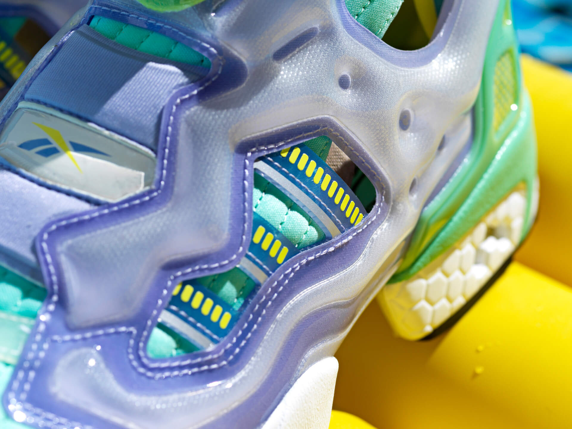 adidas OriginalsとReebokのコラボモデル「ZX FURY」に夏にぴったりの新色4色が登場! life210719_adidasoriginals_reebok_10