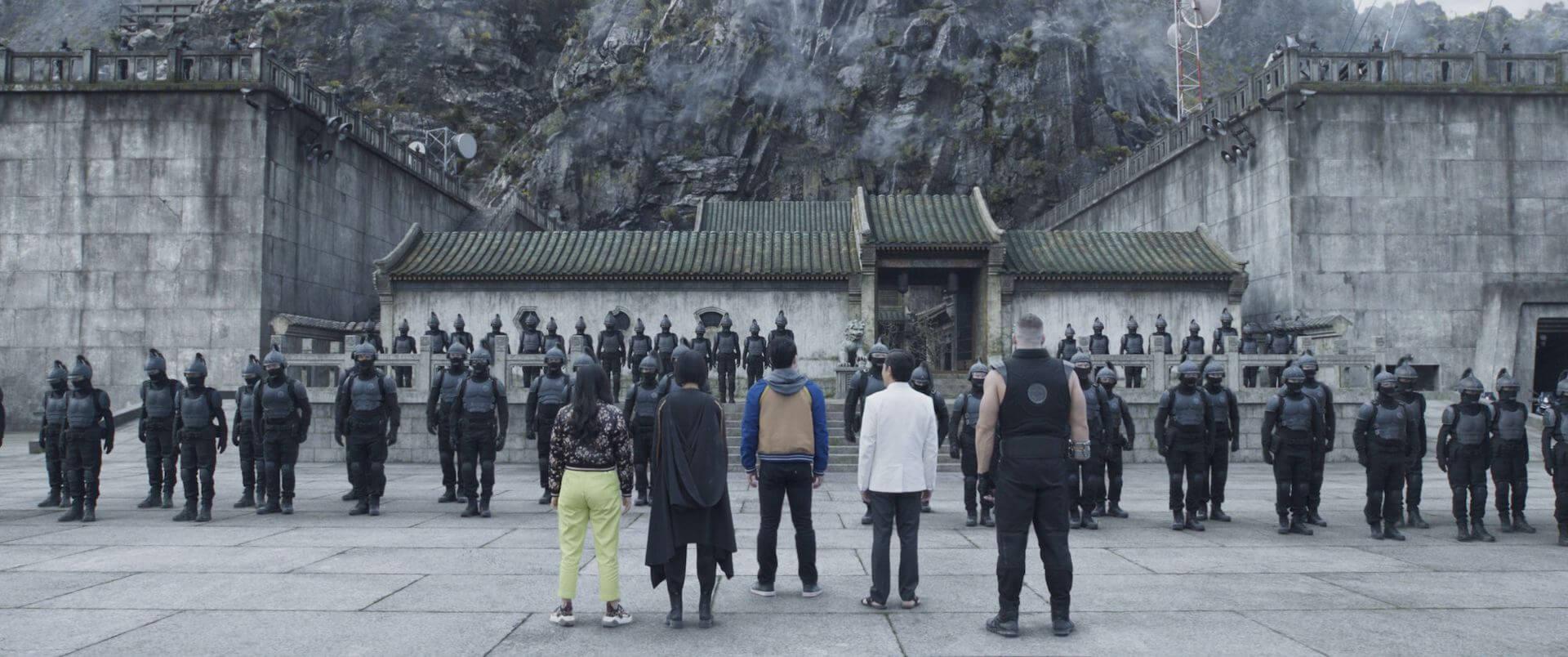 シャン・チーが過激なバトルで魅せる!マーベル・スタジオ最新作『シャン・チー/テン・リングスの伝説』の新場面写真12点が一挙解禁 film210721_shang_chi_6