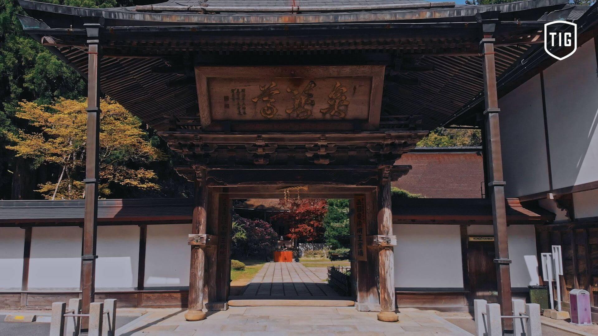 Tsuyoshi Suzukiが高野山金剛三昧院でDJを披露する「密教トランス」映像が公開 music210730-tsuyoshi-suzuki-1