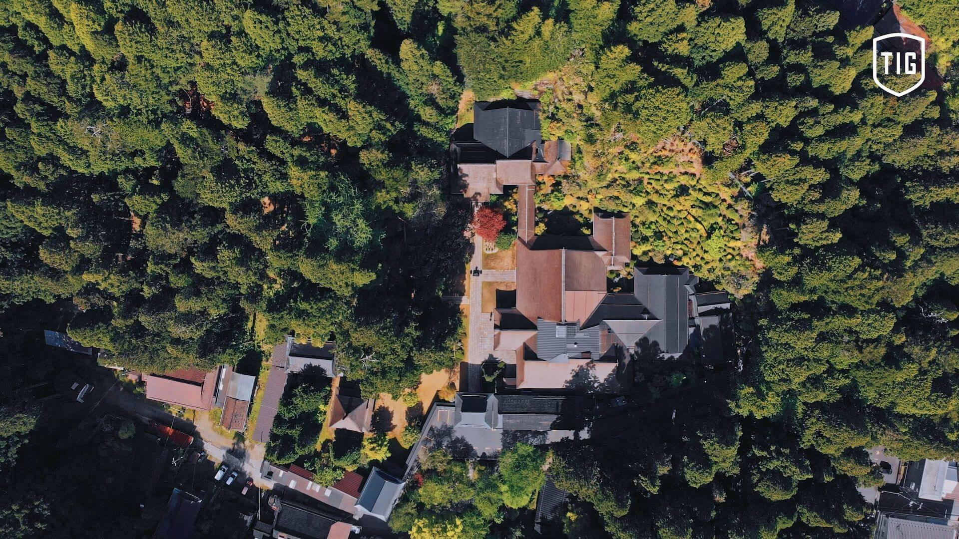 Tsuyoshi Suzukiが高野山金剛三昧院でDJを披露する「密教トランス」映像が公開 music210730-tsuyoshi-suzuki-3