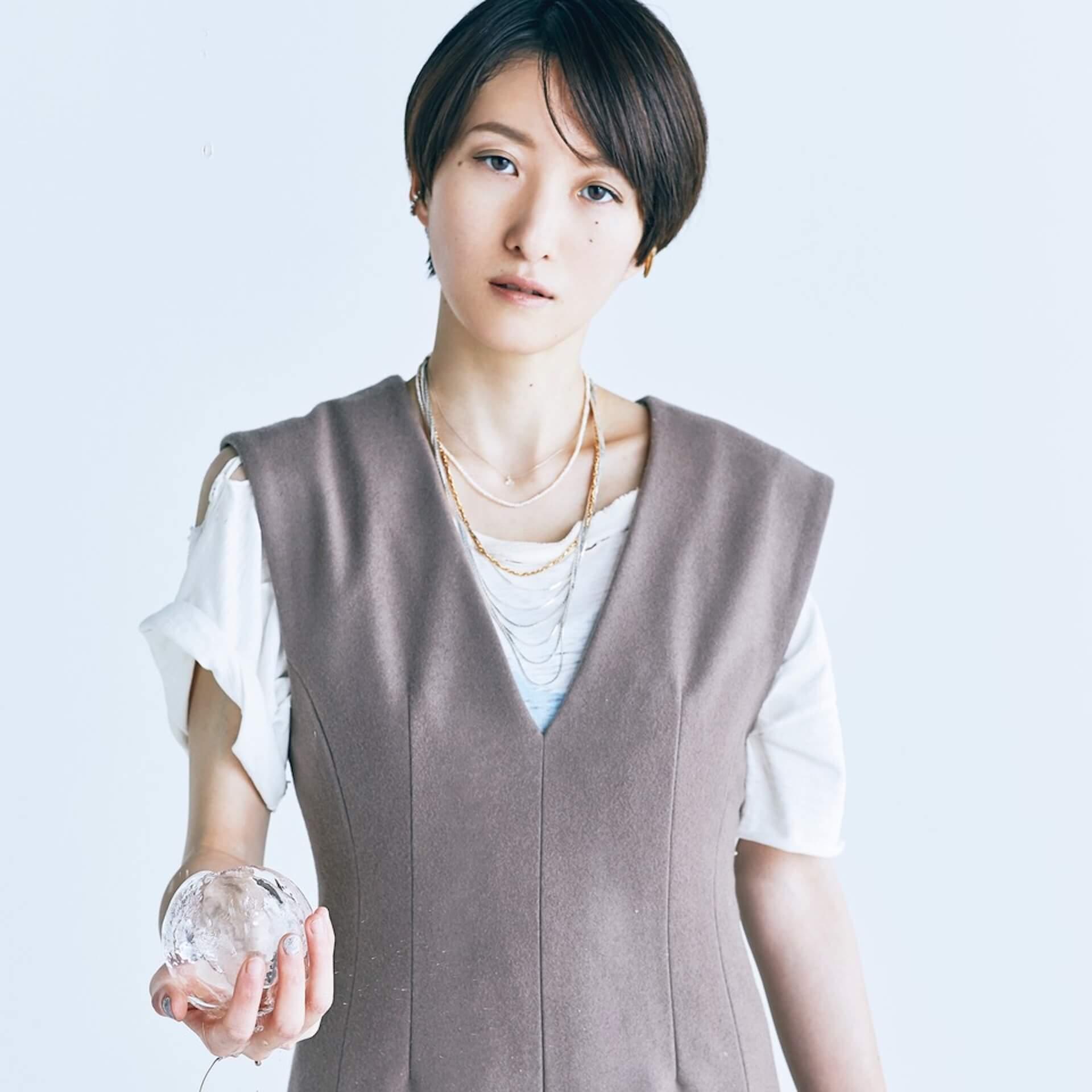 「また馬鹿な僕らで会おうぜ」━━日食なつこが1年4ヶ月ぶりの有観客ライブで魅せた<白亜>という新時代 interview210701_nisshoku-natsuko-nbuna-01