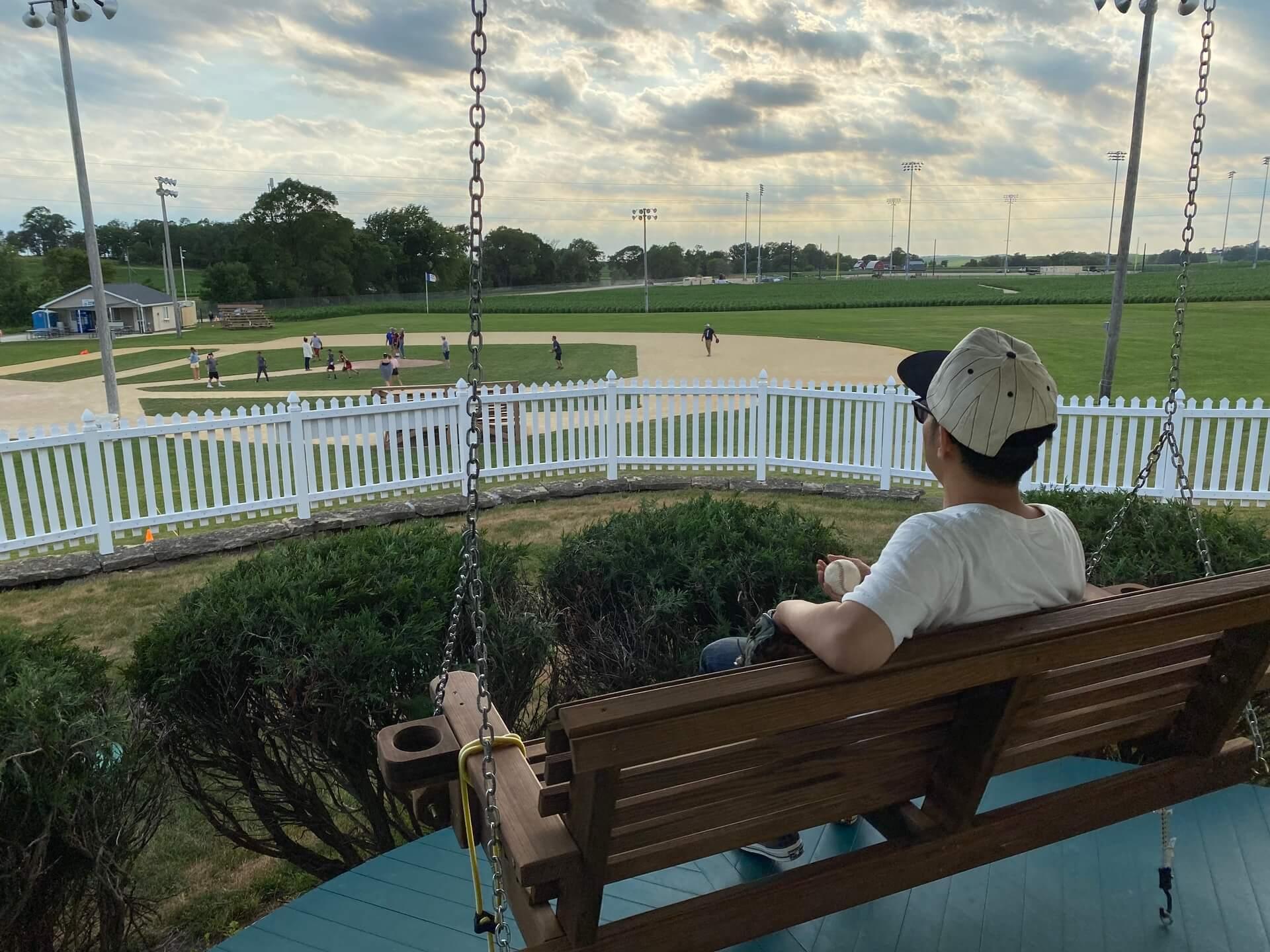 ピース綾部祐二の聖地巡礼を追いかける!90年代あの名作映画のロケ地をめぐる旅 interview-yujiayabe-8