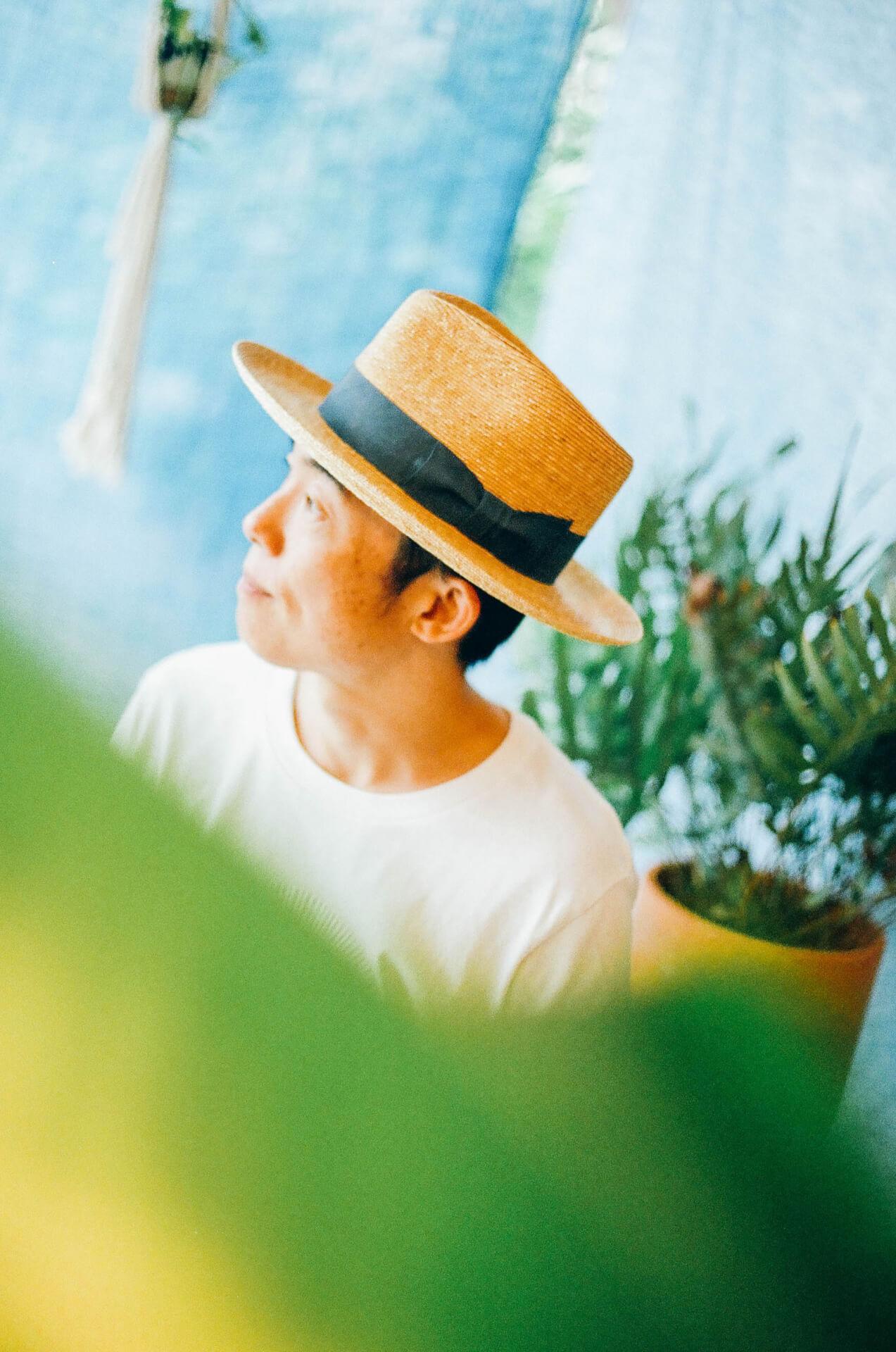 「旅」、「光」、「波動」   歌とディジュリドゥ、スタイルが異なる2人から浮かぶ共通項を探る━━対談:Caravan × GOMA interview210823_caravan-goma-08