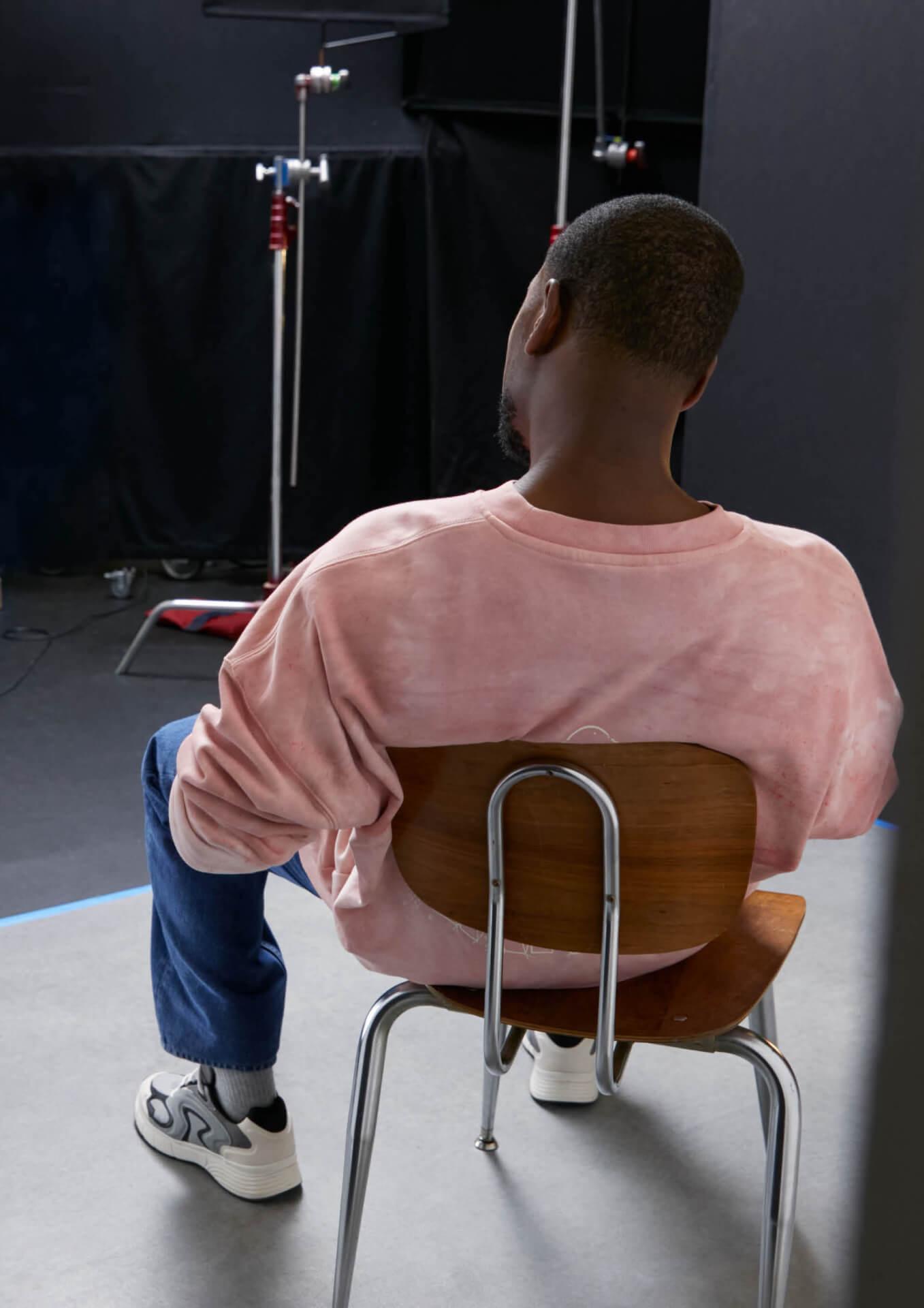H&Mが俳優のジョン・ボイエガとタッグを組んだメンズウェアコレクションを発表!リサイクル素材、オーガニック素材を使用したアイテムが登場 life211006_handm_john_boyega_05