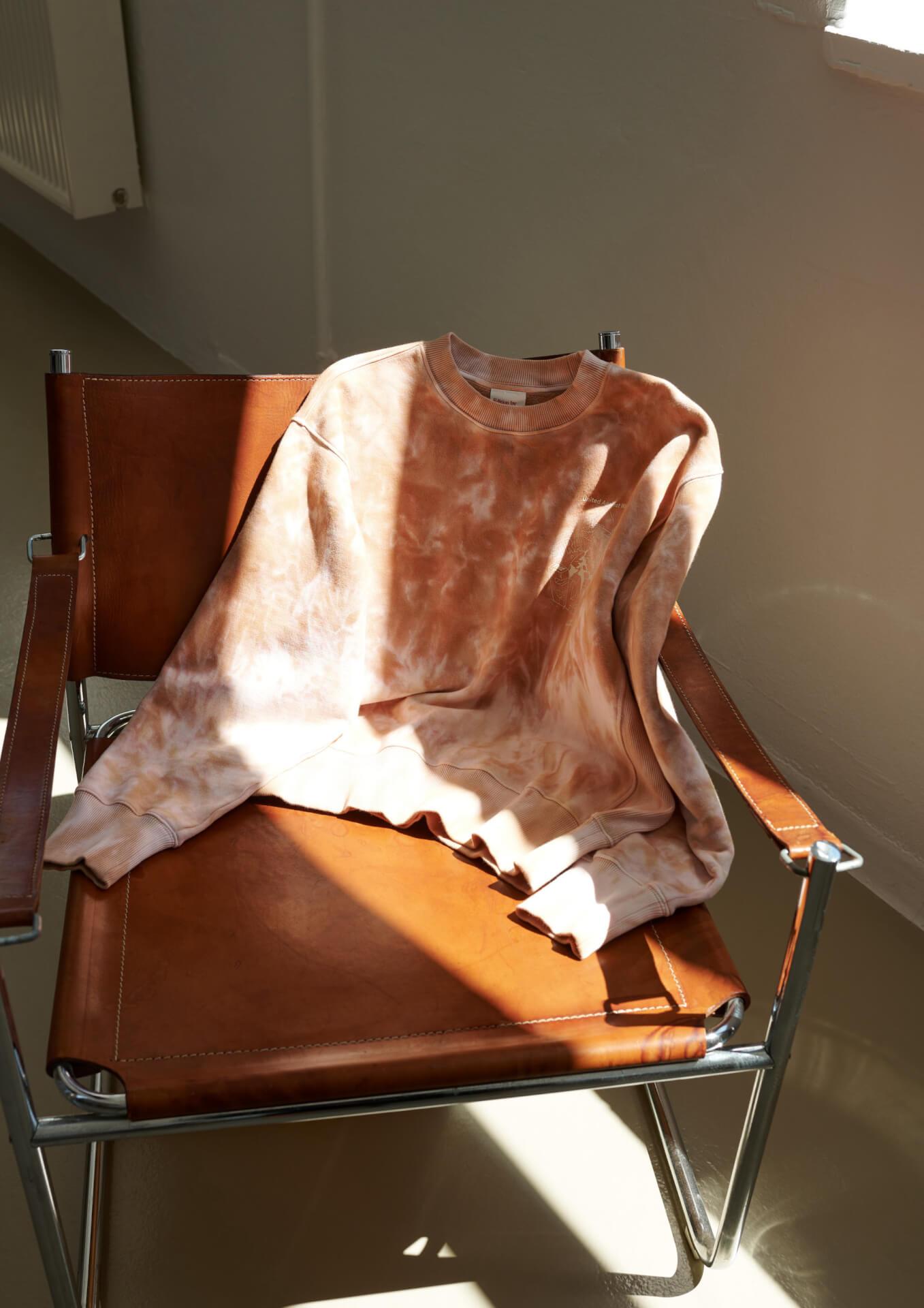 H&Mが俳優のジョン・ボイエガとタッグを組んだメンズウェアコレクションを発表!リサイクル素材、オーガニック素材を使用したアイテムが登場 life211006_handm_john_boyega_013