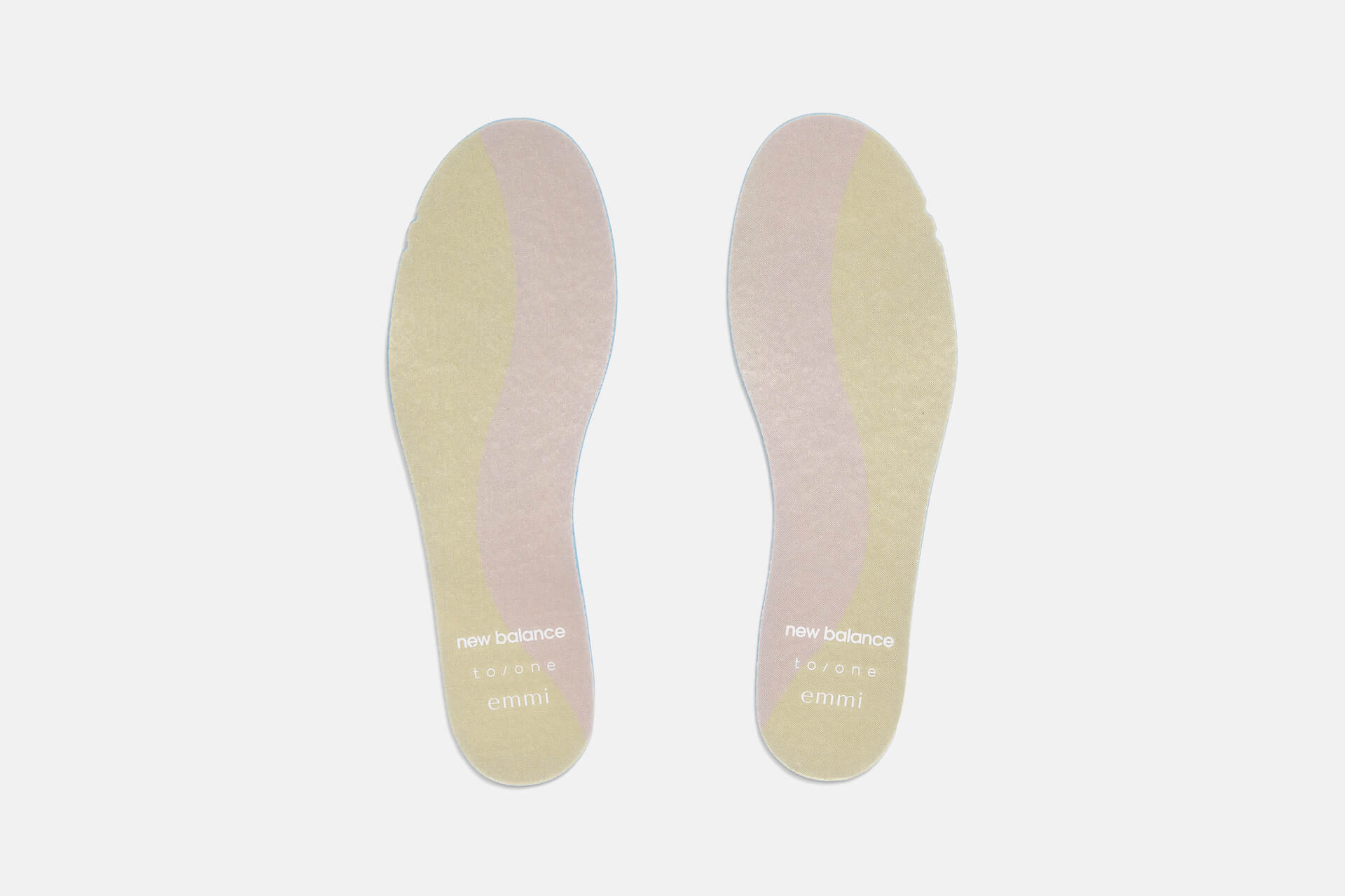 New Balanceの人気モデル「327」からemmi、to/oneとのトリプルコラボレーションモデルが登場!限定店舗で販売 fashion211008_newbalance-01