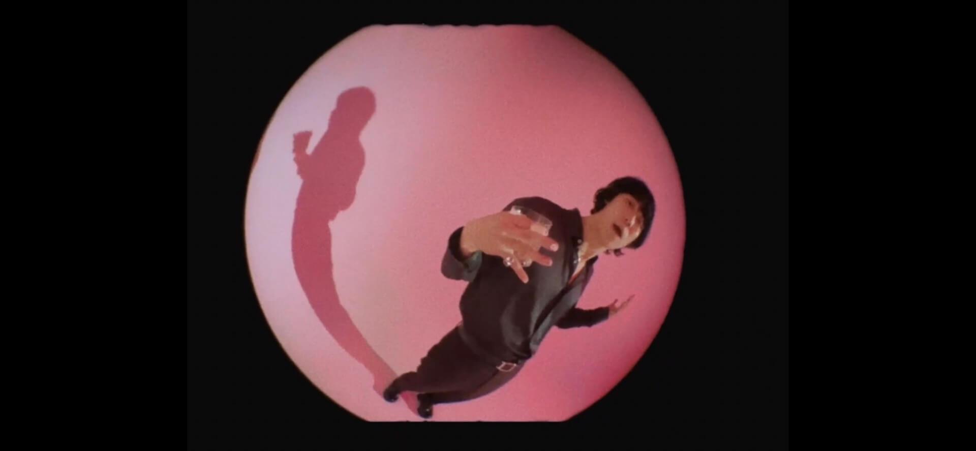 """小袋成彬の3rdアルバム『Strides』が本日配信リリース!収録曲""""Work""""のミュージックビデオが公開 music211013_obukuronariaki_1"""
