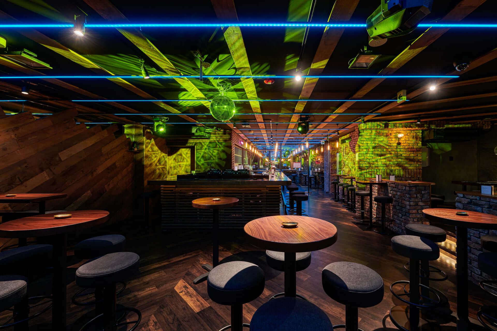 渋谷を中心にVISIONやContactなどのクラブやバーを経営する村田大造がプロデュースした新店舗 DJ BAR HEARTに迫る 200107_muratadaizo_06-1920x1280