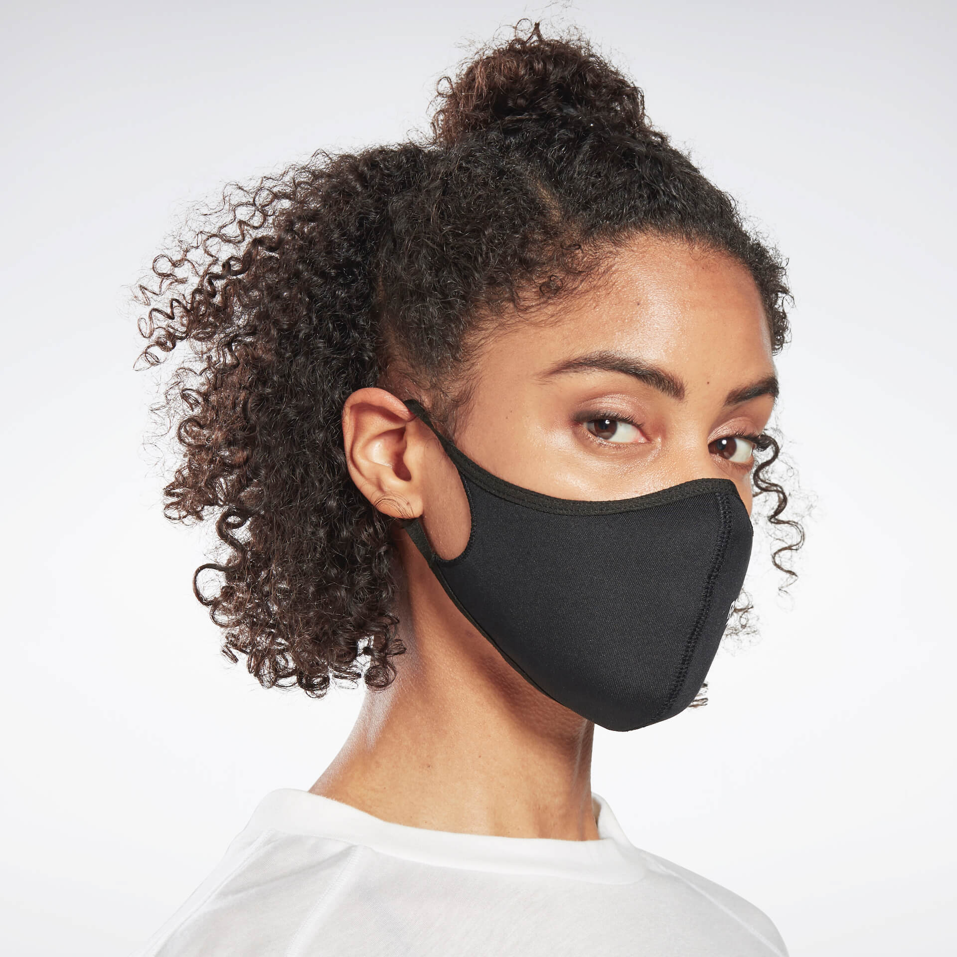 発売開始数時間で即完売したリーボックフェイスカバーが再販決定!本日より直営店にて先行販売が開始 fashion20123_reebok_mask_8