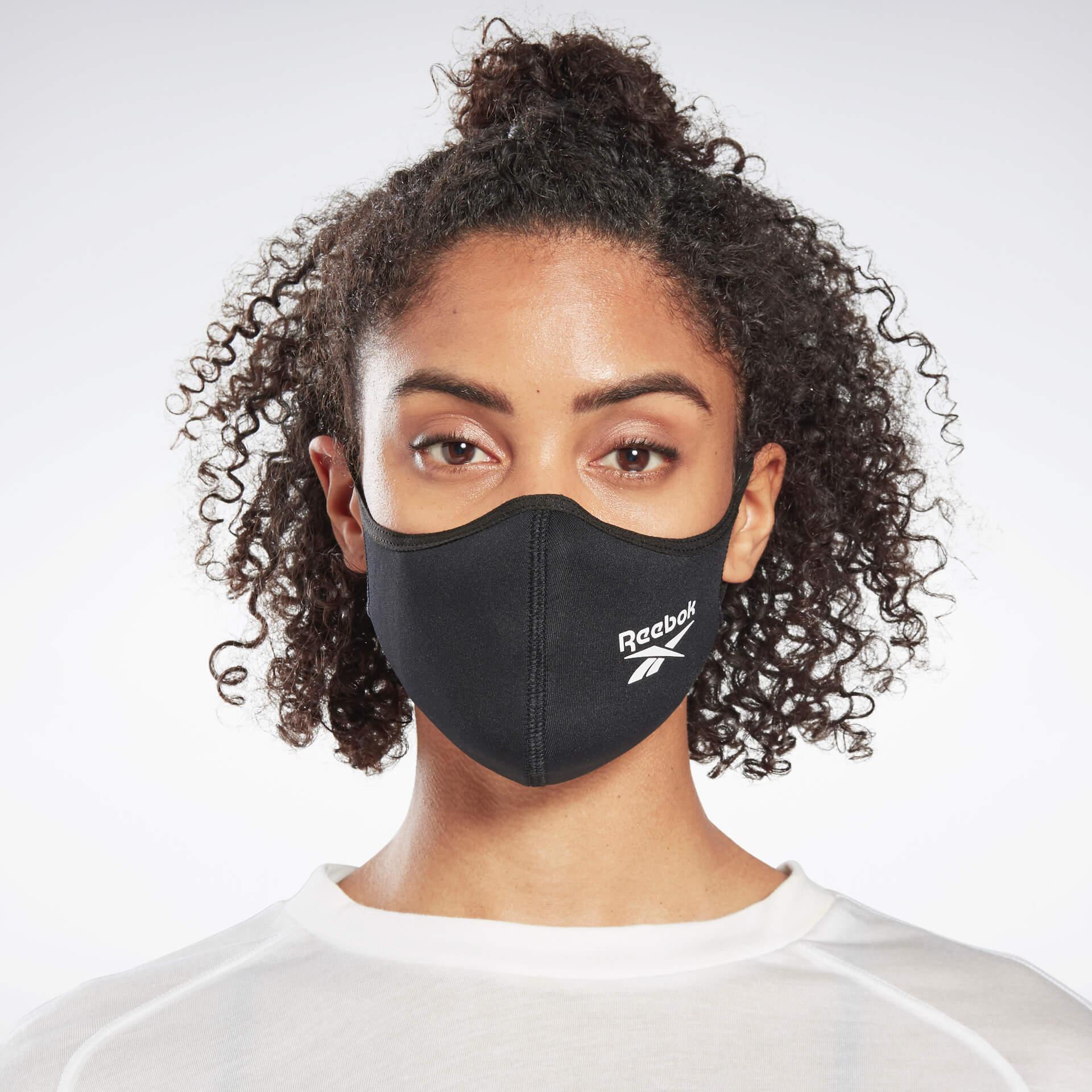 発売開始数時間で即完売したリーボックフェイスカバーが再販決定!本日より直営店にて先行販売が開始 fashion20123_reebok_mask_4