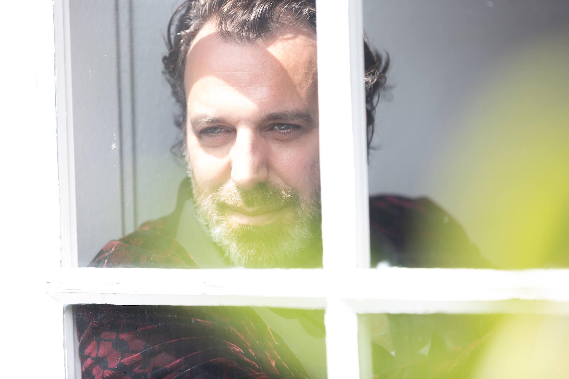 Chilly Gonzalesがクリスマス・アルバム『A very chilly christmas』リリース記念にスペシャルライブ配信を開催!クリスマス・ミックステープもリリース music20124_chillygonzales_averychilly-christmas_7