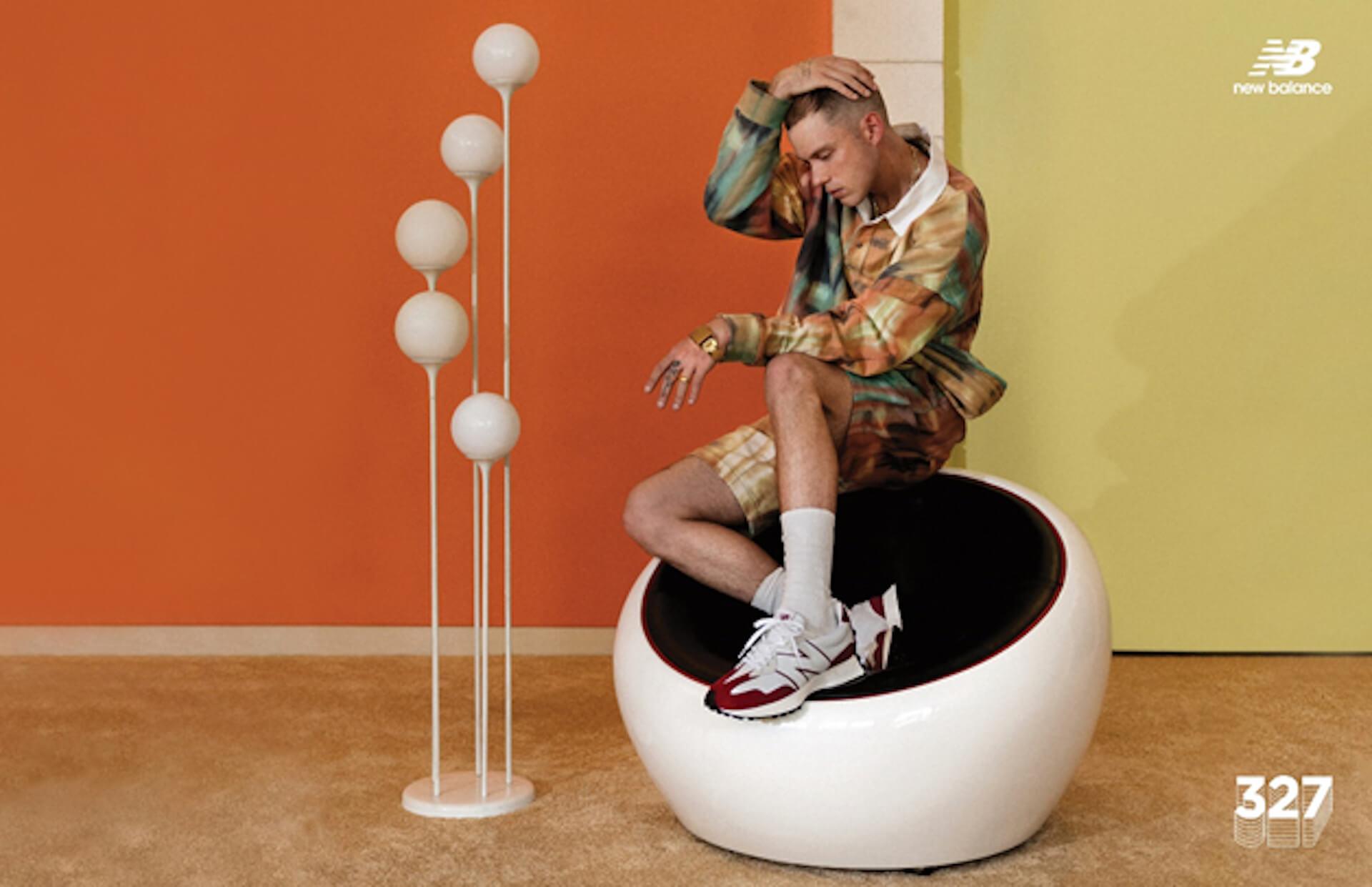 ニューバランスの人気モデル「327」に新色『327 primary pack』が登場!キャンペーンビジュアルにはハリー・ハドソンを起用 fashion20128_newbalance_327primarypack_1