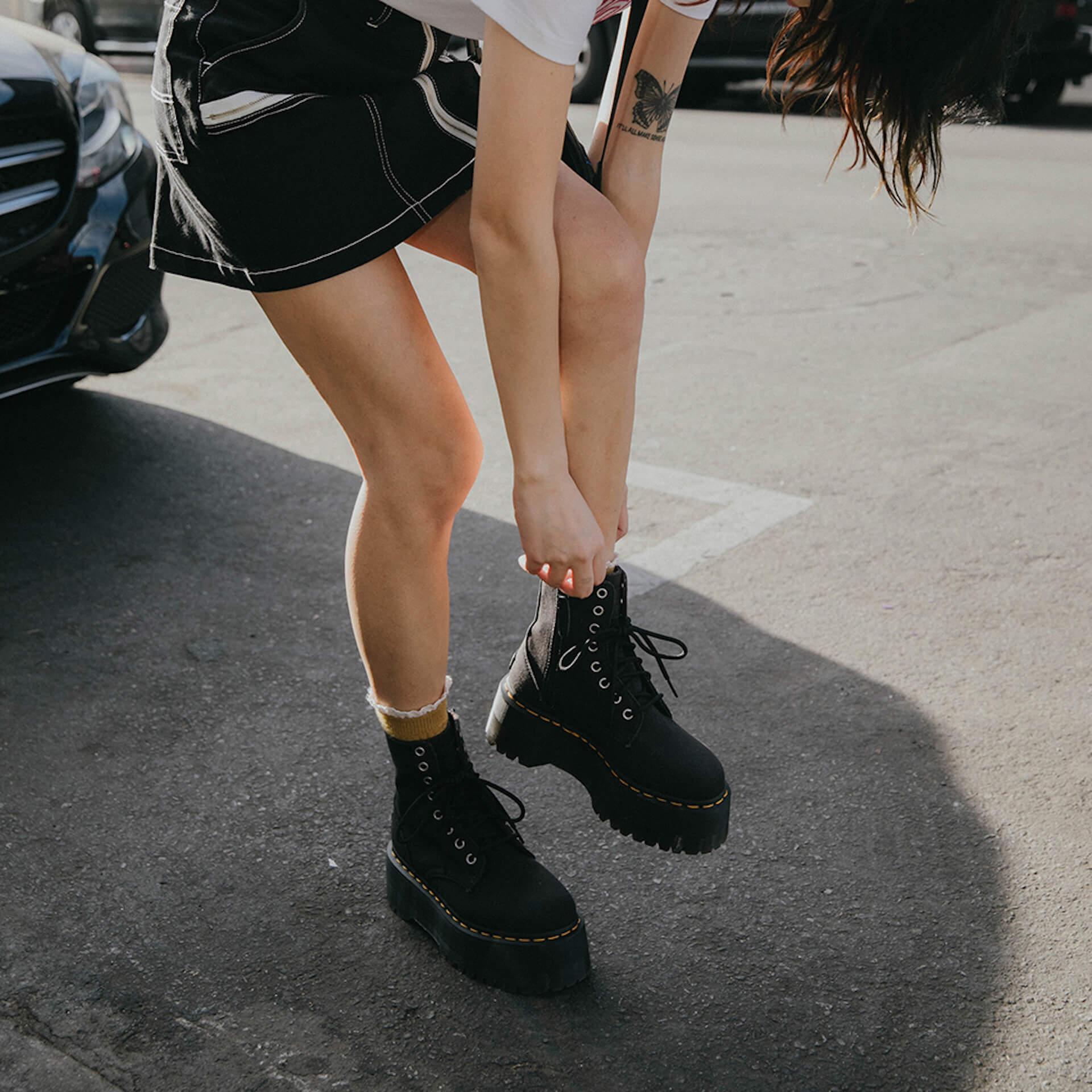 Dr.MartensとX-girlが2度目のコラボコレクションを発表!定番厚底ブーツ&厚底サンダルをベースにした2モデル fation210607_DR.MARTENS-x-X-GIRL-5