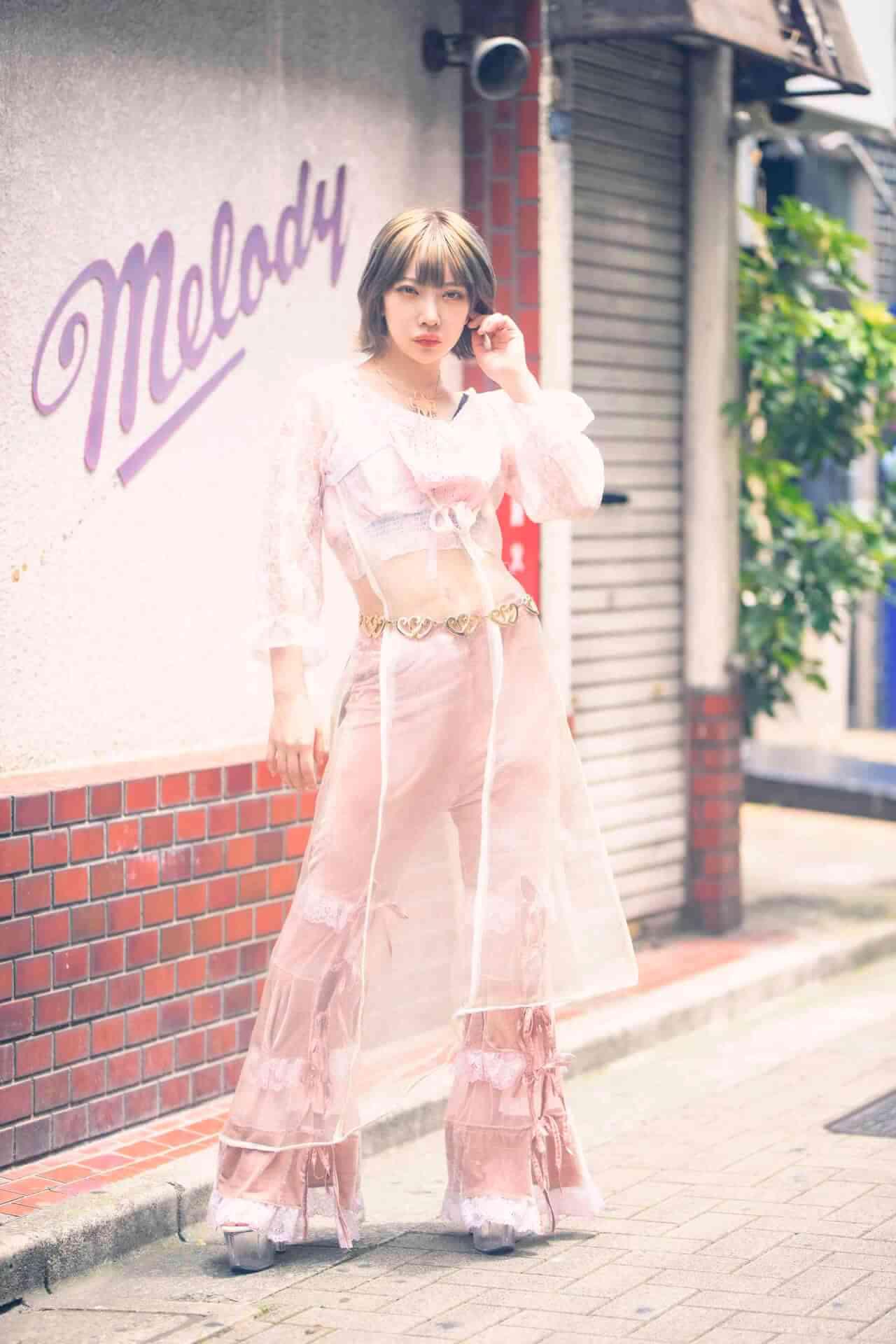 かてぃのファッションドキュメンタリーブック『ファッションカルト』の誌面カットが到着! lifefashion_katy_5