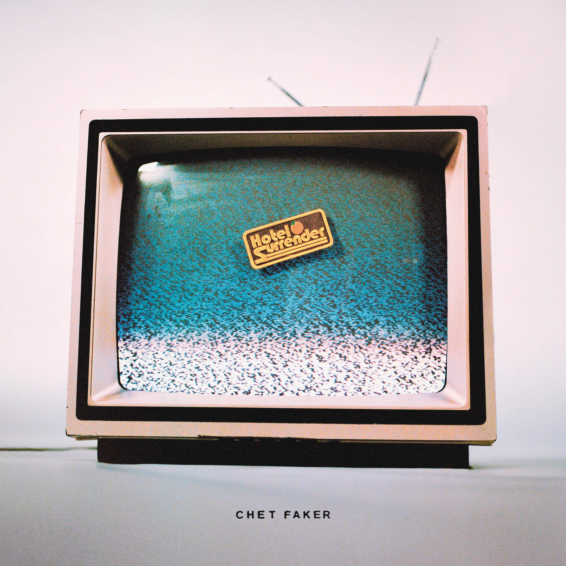 "Chet Fakerのニューアルバム『Hotel Surrender』収録の最新シングル""Whatever Tomorrow""をSoulwaxがリミックス! music210514_chetfaker-210514_1"