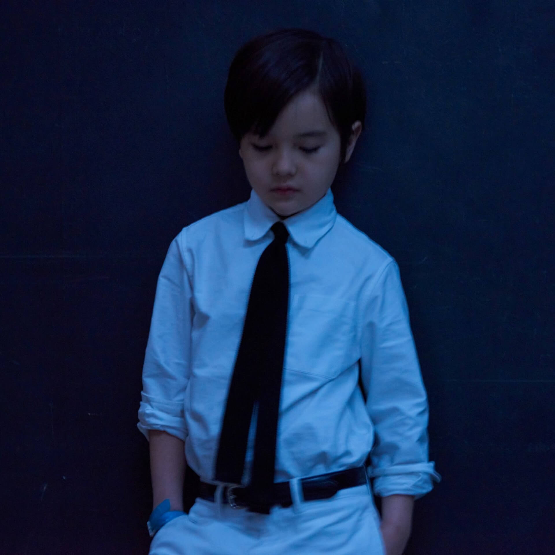 """小沢健二がドラマ『珈琲いかがでしょう』OP曲""""エル・フエゴ""""のMVを公開!今夜Mステ2時間SPでは生ギター&生チェロでフルver.を披露 music210521_kenji-ozawa210521_1"""